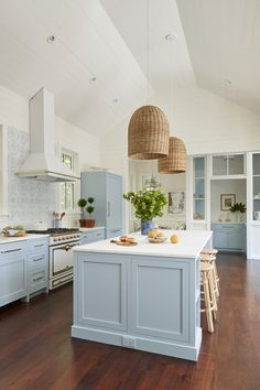 Our Home In Southern Living - Gal Meets Glam - Kitchen Ideas Bright Kitchens, Home Kitchens, Light Blue Kitchens, Beach Cottage Kitchens, Dream Kitchens, Beautiful Kitchens, Beautiful Homes, Home Interior, Interior Design