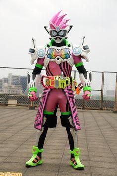 Kamen Rider Kabuto, Kamen Rider Ex Aid, Kamen Rider Series, Superhero Tv Series, Transformers G1, Movie Poster Art, Marvel Entertainment, Cute Japanese, My Childhood Memories