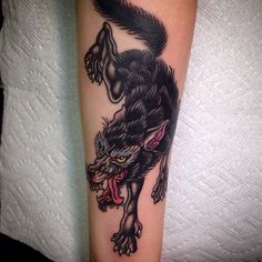 Wolf Tattoo Traditional, Traditional Tattoo Old School, Wolf Tattoos, Life Tattoos, Body Art Tattoos, Wolf Tattoo Sleeve, Sleeve Tattoos, Forearm Sleeve, Chest Tattoo