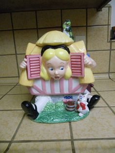 Alice in Wonderland - Cookie Jar, I have this:) Got it for Christmas one year.