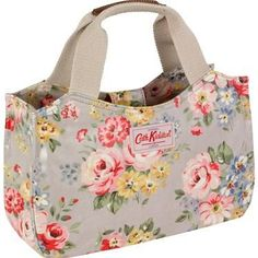 Our Spring Bouquet mini tote is perfect for those who like to travel light. The compact design means you can neatly carry all your necessities, completed with popper fastening to keep your belongings safe and secure. Matching accessories also available. Fabric Purses, Fabric Bags, Cath Kidston Bags, Diy Sac, Embroidery Bags, Bag Patterns To Sew, Crochet Handbags, Kids Bags, Cute Bags