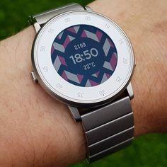 """Dazzle"" watchfazzle by @zameryth on #PebbleTimeRound with original steel watchbazzle #pebble #smartwatch #pebbletime #watchfaces Pebble Smartwatch Watchfaces"
