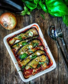 Recipe of aubergine tian with goat cheese Wok Recipes, Vegetarian Recipes, Healthy Recipes, Summer Recipes, Holiday Recipes, Goat Cheese Recipes, Eggplant Recipes, Comfort Food, Vegetable Salad