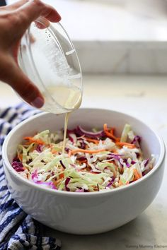 This easy vegan coleslaw recipe tastes just like the classic! Creamy vegan coleslaw dressing with shredded cabbage is the perfect side dish for a vegan BBQ. Homemade Coleslaw, Vegan Coleslaw, Apple Coleslaw, Vegan Side Dishes, Dinner Side Dishes, Coleslaw With Vinegar Dressing, Shredded Cabbage Recipes, Shredded Carrot, Coleslaw Dressing