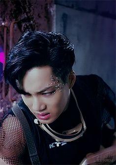 stuck between your world and mine Kyungsoo, Kim Jongin, Chanyeol, Exo Ot12, Kaisoo, Chanbaek, Kpop Halloween Costume, Xiu Min, Wattpad