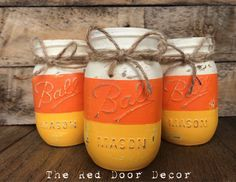 Halloween Candy Corn Rustic Chalk Painted Fall Mason Jars is part of Mason Jar Fall crafts - Pot Mason, Fall Mason Jars, Mason Jar Diy, Diy Halloween Mason Jars, Mason Jar Pumpkin, Mason Jar Projects, Mason Jar Crafts, Bottle Crafts, Chalk Paint Mason Jars