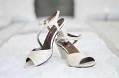CASAMENTO CLÁUDIA + MARCO   BAPTISMO HENRIQUE   Photo by Era uma vez #wedding #baptism #eraumavez #casamento #baptismo #weddingshoes #shoes #bride