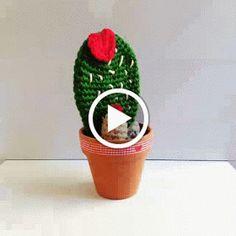 Hola hoy os traigo un tutorial para que hagáis estos cáctus especiales para San Valentín los he llamado Cáctus del Amor . Flower Bookey, Flower Film, Flower Names, Cactus Flower, Cactus Cactus, Flower Pots, Crochet Flower Patterns, Crochet Designs, Crochet Flowers