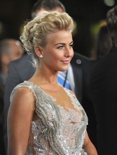 #PromStyle: Julianne Hough's mass of curls softens up her edgy 'do--perfect for a fancy affair.
