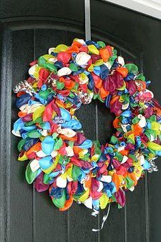 another cute balloon wreath!  :)