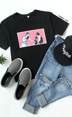 Summer Street Fashion - Black Boxing Print T-shirt with ripped jeans and cool hat