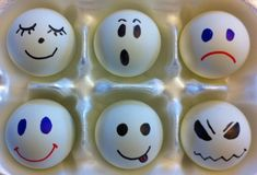 Draw emotion faces on ping pong balls to play feelings identification games with children! Students pick a face and tell a story about time they felt that emotion. Feelings Activities, Counseling Activities, Therapy Activities, Preschool Activities, Therapy Ideas, Therapy Tools, Art Therapy, Feelings Preschool, Therapy Games