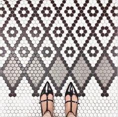 Hex tile patterns at little green notebook Hex Tile, Penny Tile, Hexagon Tiles, Mosaic Tiles, Mosaic Floors, Tiling, Floor Patterns, Tile Patterns, Bathroom Floor Tiles