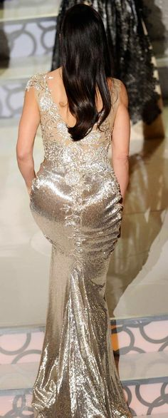 Sandra Bullock 2010 Oscars in Marchesa Gold Gown | Back View