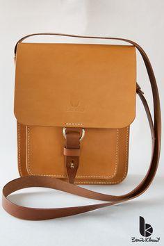 Handmade leather a cross-body bag by Brano Klocan LEATHERCRAFT  Ručne šitá kožená crossbody taška Leather Craft, Cross Body, Satchel, Bags, Fashion, Leather Crafts, Handbags, Moda, Satchel Bag