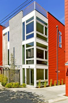 Queen Anne Homes (2119 10th Ave. W), exterior of SW side. #greenhomes