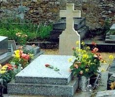 Romy Schneider Funeral   Tombe de Romy Schneider et son fils David