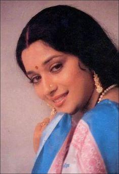 Beautiful Gorgeous, Most Beautiful Women, Madhuri Dixit Hot, Film Icon, Beautiful Bollywood Actress, Bollywood Stars, Deepika Padukone, India Beauty, Timeless Beauty