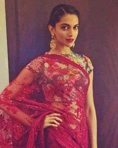 How To Look Gorgeous In Your Lace Saree - The Celeb Way! - POPxo
