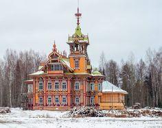 Красавец-терем в Костромской глуши принял и бережно восстановил новый хозяин - Андрей Павличенков
