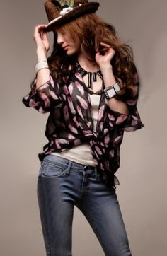 Graceful Feather Print Chiffon Blouse - BuyTrends.com