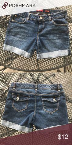 705805410ceaf Girls  12 1 2 plus Arizona Jean Co. jean shorts Girls  size 12 1 2 plus  Arizona Jean Co. medium-dark midi jean shorts in EUC. Arizona Jean Company  Bottoms ...