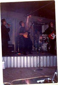 En una presentacion en la plaza fiesta de la zona rio Tijuana en 1999.