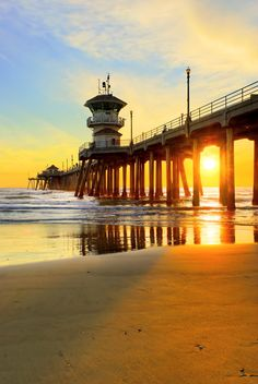 """""""Truly the light is sweet, and a pleasant thing it is for the eyes to behold the sun."""" Great place to visit in the evening. Every Tuesday there is a cool farmers market across the street from the pier with great live music and stalls. Beautiful Sunset, Beautiful World, Beautiful Places, Huntington Beach California, California Dreamin', California Wallpaper, Terra Nova, Surf City, Orange County"""