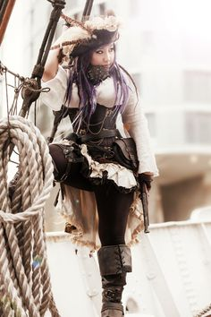 Photo pirate du jour, Pirate picture of the day, Foto pirata del día. Couture Steampunk, Steampunk Fashion, Pirate Steampunk, Pirate Pictures, Pirate Woman, Cosplay, Costumes, Boutique, Female