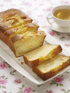 Appelcake met yoghurt en olie (ipv boter) No Bake Desserts, Delicious Desserts, Yummy Food, Baking Recipes, Cake Recipes, Dessert Recipes, Yogurt Cake, Bread Cake, Healthy Sweets
