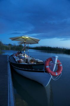 anochecer barca Freetimer en la Albufera