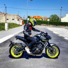 Sent by @vitorfilipefaria MT09 Send me your MT photos /Follow for more!  - - - - - - - #mt #yamaha #mt125 #mt15 #mt25 #mt03 #mt07 #fz07 #mt09 #fz09 #mt10 #r1 #r6 #r125 #bikers #biker#bikeporn #motorcyclephotography #Motorcycles #Tracer900 #bikestagram #yamahar6 #yamahamt #bikes #motorcyclelife #thedarksideofjapan #tracer700 Hamamatsu, Mt 09 Yamaha, Mt 15, Yamaha Motorbikes, Motorcycle Photography, Moto Bike, Racing Motorcycles, Super Bikes, Street Bikes
