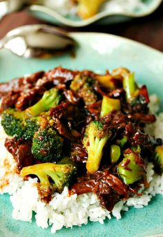 Ingredients:    1 pound flank steak or sirloin, sliced thinly across the grain  1 pound broccoli florets  2 tablespoons grape seed oil  1 yellow bell pepper, seeded, cut in slices  1 clove garlic, very finely minced  1 teaspoon cornstarch, dissolved in 1 tablespoon water    For the beef mar