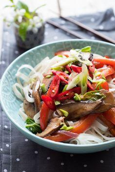 makaron ryżowy z piecarkami portobello (16)