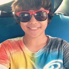 JUAN KARLOS LABAJO and his old hairstyle Old Hairstyles, Star Magic, Wayfarer, Fangirl, Ray Bans, Sunglasses, Stars, Fashion, Moda