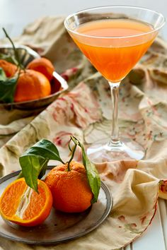 Tangerine Gimlet: 2 oz. vodka, 2 oz. tangerine juice, 1 oz. simple syrup, and ice.
