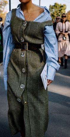 Classic plaid jumper w/pinstripes Trend Fashion, Look Fashion, Editorial Fashion, Winter Fashion, Fashion Outfits, Womens Fashion, Runway Fashion, Fashion Clothes, Paris Fashion