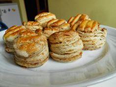 Réteges tepertős pogácsa Recipe Box, Muffin, Cooking Recipes, Bread, Breakfast, Food, Projects, Kochen, Breakfast Cafe