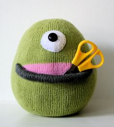 Knit your own Cyclops Pocket Alien by ButterflyLove1 on Etsy, $4.00