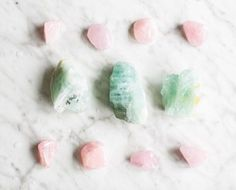 3 Ways To Add Healing Crystals To Your Beauty Routine (Hello Glow) Daily Beauty Tips, Beauty Secrets, Diy Beauty, Beauty Products, Clean Beauty, Natural Beauty, Beauty Routine Checklist, Beauty Routines, Crystals And Gemstones