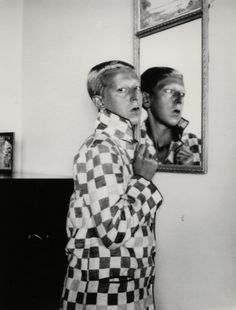 Claude Cahun, Self portrait [reflected in mirror], 1928