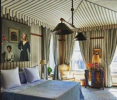 Carl J. Schmidlapp's apartment in New York decorated by legendary designer Henri Samuel. #apartmentsbathroom