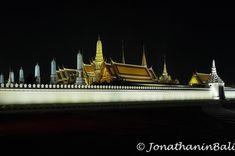Grand Palace Bangkok Thailand  For the ebook The Bangkok Story an Historical Guide to the Most Exciting City in the World - go to http://ift.tt/2kq9do7  #aroundtheworld #worldtraveler #jonathaninbali #www.murnis.com #travelphotography #traveler #lonelyplanet #travel #travelingram #travels #travelling #traveling #instatravel #asian #photo #photograph #outdoor #travelphoto #exploretocreate #createexplore #exploringtheglobe #theglobewanderer #mytinyatlas #city #religion #thailand #bangkok…
