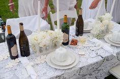 great use of lace tablecloths at Diner en Blanc Cincinnati 2012