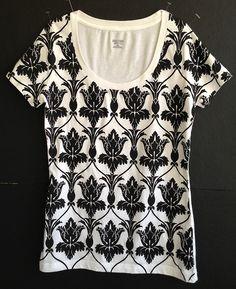 221B wallpaper shirt! :D Want. And need.