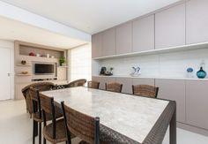 Sala de almoço integrado com mini estar | Projeto by Dani Momoi Arquiteta