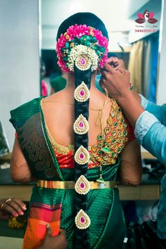 ℳanmathan November 17 2018 at Bridal Hairstyle Indian Wedding, South Indian Bride Hairstyle, Indian Wedding Hairstyles, Bride Hairstyles, Flower Garland Wedding, Bridal Flowers, Wedding Girl, Dream Wedding, Cute Baby Wallpaper
