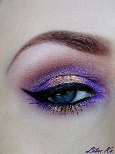 Purple eyes make up