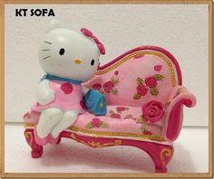 Pajangan Keramik Hello Kitty Sofa