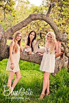 Best Friends photo shoot.. need to do I want to do  this in the spring with my close friends